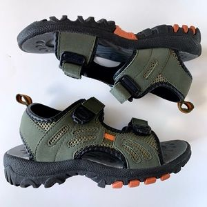 NWOT Old Navy Rugged Hydro Trail Sandals Boys 4